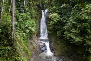 Caminatas con cascadas cerca a Bogotá La Vega