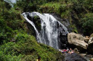 Caminatas con cascadas cerca a Bogotá La Mesa